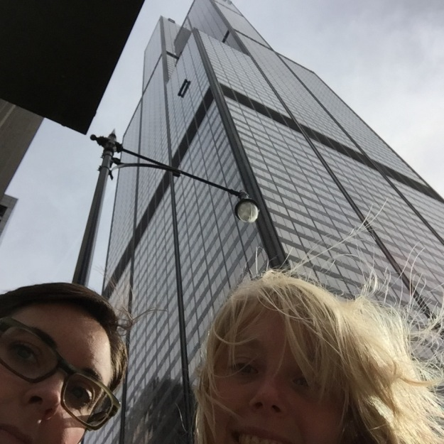 sears-tower-street-selfie